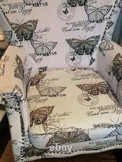 Brand new Luxury velvet Beautiful Queen Anne fireside Accent wingback armchair